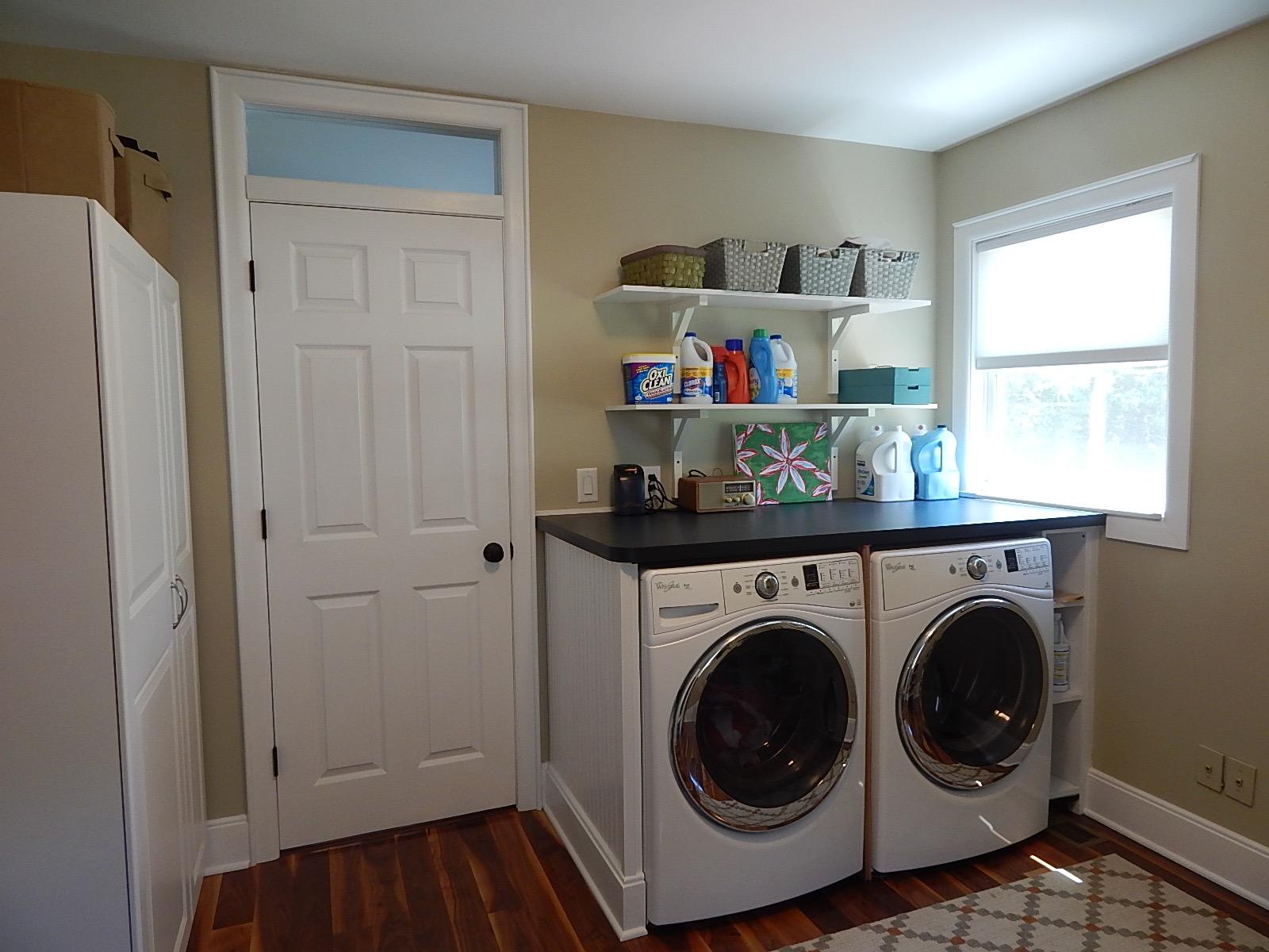 1339 Bishop Rd Saline, MI Laundry room